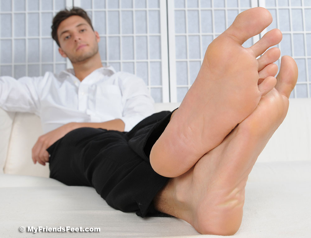 live foot fetish