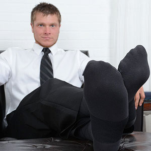 male feet bare feet fetish